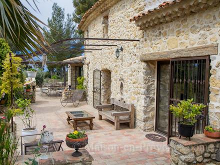 Maison en pierre var mc immo - Deco mas provencal ...