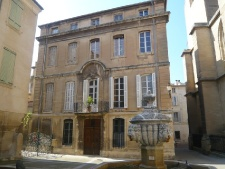 Maison a vendre carpentras mc immo for Achat maison carpentras