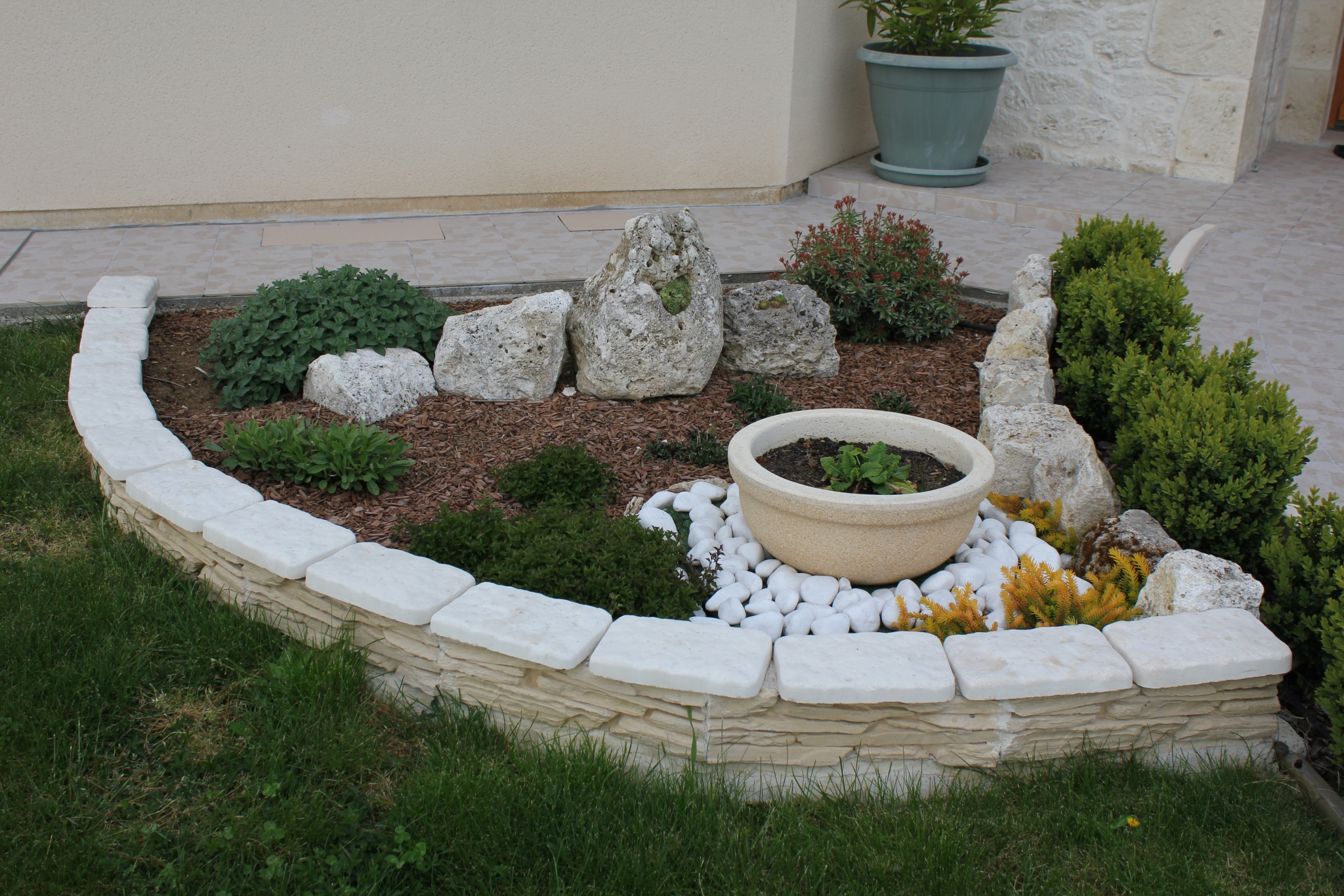 voici une slection dcoration extrieur jardin ou maison pour vous - Decoration En Pierre Pour Exterieur