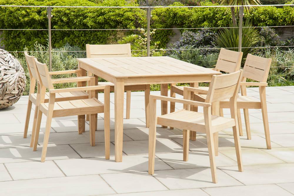 table et chaise metal de jardin mc immo. Black Bedroom Furniture Sets. Home Design Ideas