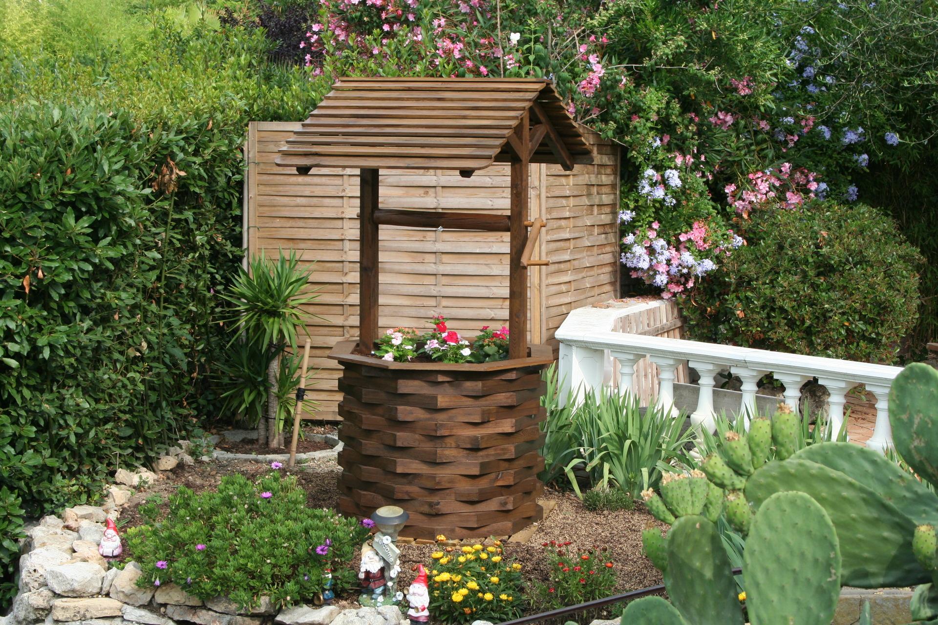 Puits de decoration exterieur mc immo - Decoration de jardin a fabriquer ...