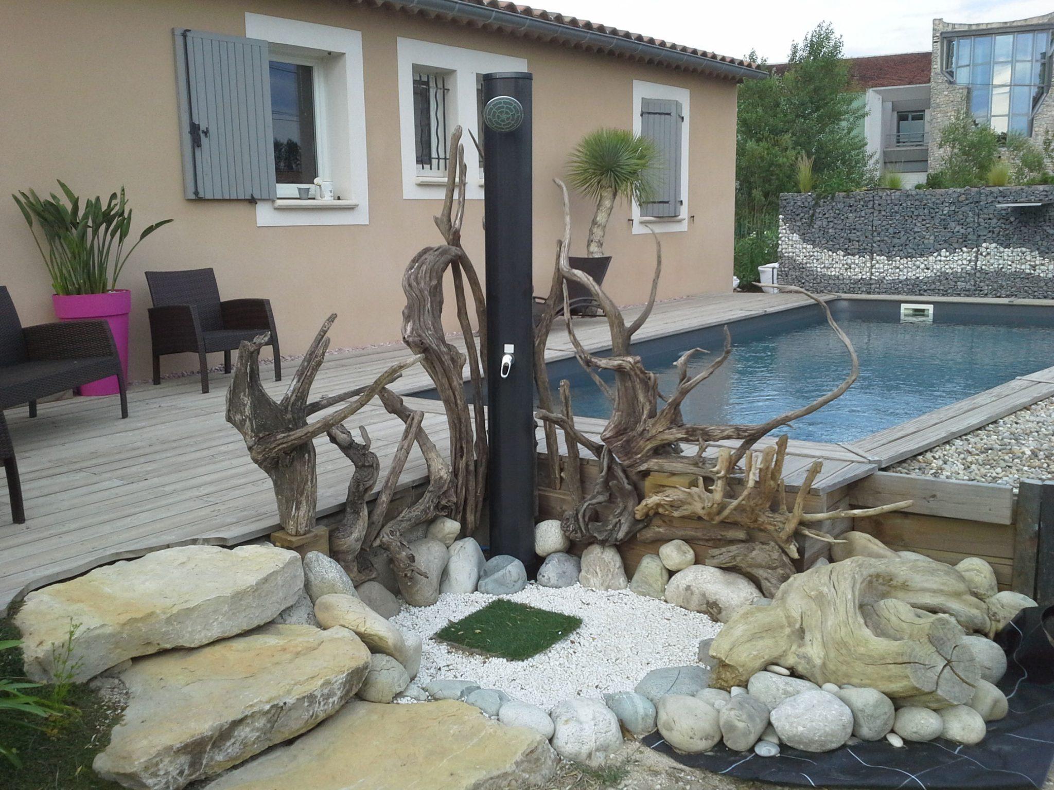 Bois decoration exterieur mc immo for Decoration exterieur bois flotte